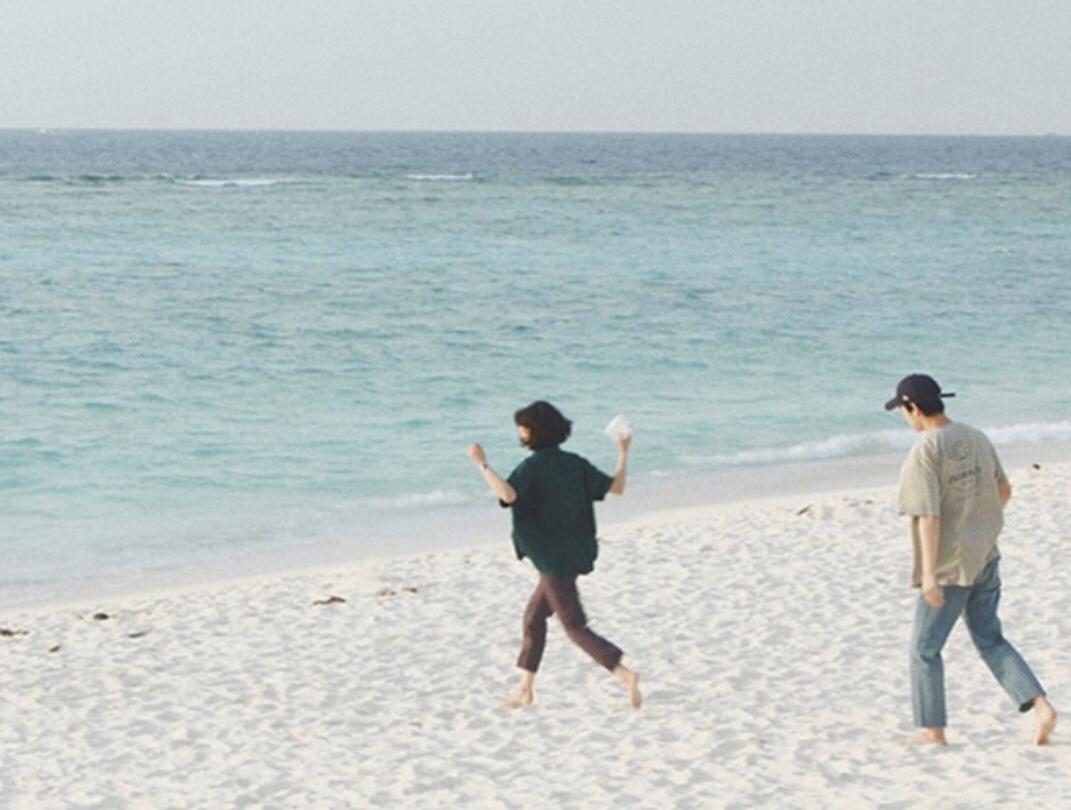 Man woman beach